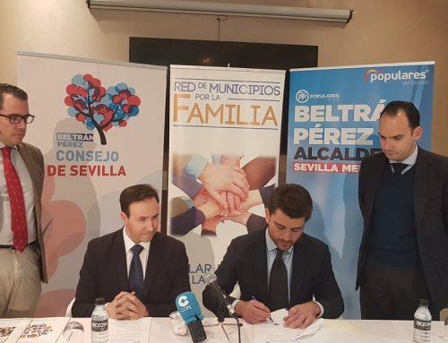 FIRMA DEL MANIFIESTO A FAVOR DE LA FAMILIA COMO CENTRO DE LA POLÍTICA, Sevilla.